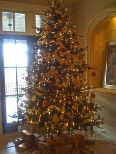 Ribbon On Christmas Tree Design Ideas, Pictures, Remodel, and Decor