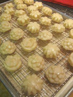 Petit fours with teacake pan
