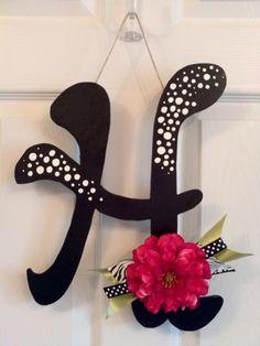 super cute letter door decoration, wreath substitue