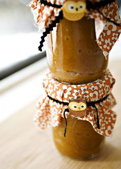 Pumpkin butter from canned pumpkin. The owls are the best touches! Great giveaway for your guests at a Halloween inspired Jewelry Bar!  Http://Layah.origamiowl.com