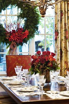 Decorating a Client's home for Christmas…the dining room.  www.lindafloyd.com