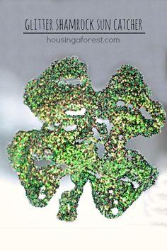 Glitter Shamrock Sun-catchers ~ Easy St Patricks day craft for Toddlers