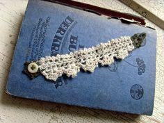 crochet lace pattern.   Just ♥♥♥ her tutorials.