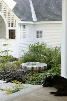 Elegant touches in this garden designed by Julie Moir Messervy.