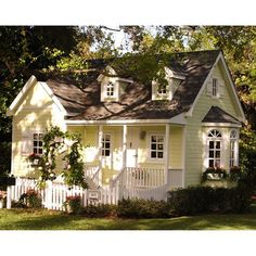 white picket fences, cottag playhous, coral gables, playhouses, yellow houses, dream houses, homes, little cottages, kid