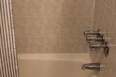 How To Recaulk a Bathtub — Apartment Therapy Tutorials
