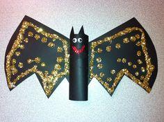 Halloween Bat Craft www.letsgetreadyforkindergarten.com