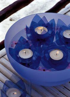 Sai come trasformare le bottiglie di plastica già utilizzate? Crea deliziose lanterne e luci fai da te per decorare casa con estro e fantasia. Il riciclo creativo ti aiuta a risparmiare e ispira la voglia di bricolage