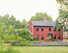 red MA saltbox
