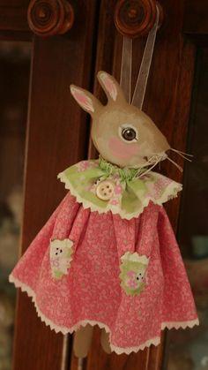 Prim Folk Art Easter bunny