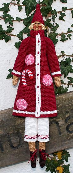 Amigurumi SANTA - crochet pattern