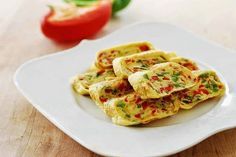 Korean Bapsang: Gyeran Mari (Rolled Omelette) with Bell Peppers