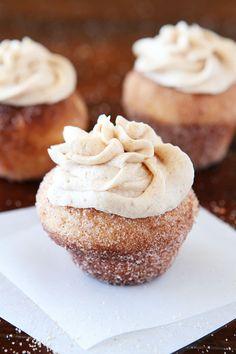 Brown Butter Snickerdoodle Doughnut Muffins with Brown Butter Buttercream Frosting #recipe #doughnut #food