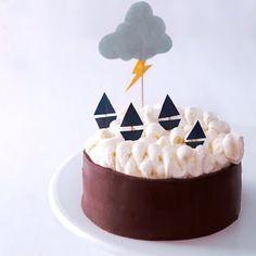 DIY Stormy Seas Birthday Cake