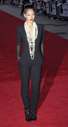 Jumpsuit and pearls!! Rihanna