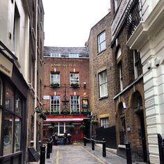 Pubs set in alleyways.   21 Things London Has That New York City Should Get Immediately