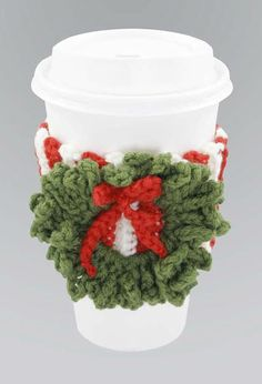 This Crochet Christmas Coffee Cozy from Coats & Clark is a fantastic free Christmas crochet pattern. This crochet project would make a great DIY gift. ❥Teresa Restegui http://www.pinterest.com/teretegui/❥