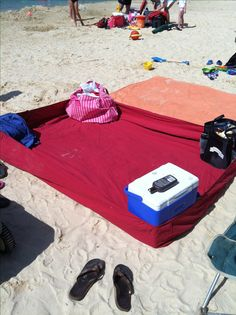 Use a fitted sheet to keep sand off when at the beach! GENIUS!