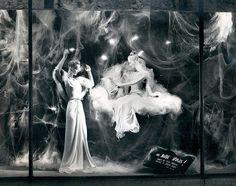 1946 department store window display