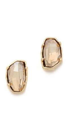 Dame Stud Earrings / Made her Think