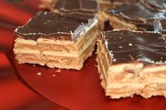 chocolate, peanut butter, and caramel club cracker bars