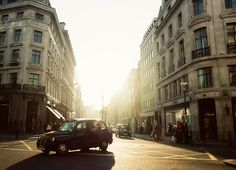 lights, london, morning light, early mornings, bakeries, breakfast, art, sunris, buildings