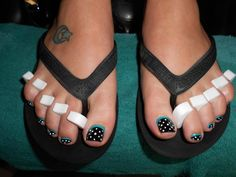 reverse french toe nail art by misty easy toenail art, toenails easy, red toe nails, toe nail art, nail arts, french toes, easy toe art