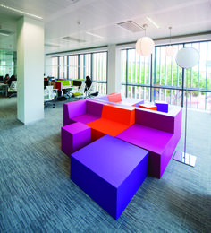 Brainstorming & open meeting area at the Microsoft EU headquarters in Lisbon. Designed by 3g Office, the space features the Milliken Colours, Scattergraph and Out of the Shadows collections.
