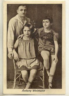 Anton Weimann parterre acrobat and his children *via sanspareille69's flickr