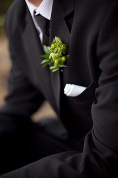 green boutonniere  //  petula pea photography