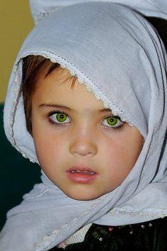 Afghan girl.. sooo adorable.. those eyes tho.. ??????