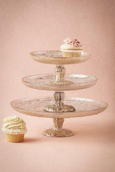 Beautiful wedding cake stand