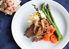 Passover Brisket recipe - I love Passover dinner.  When I lived near my family it was one of my favorite holiday meals.  #Passover #brisket #holiday