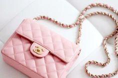 Bolsa rosa em matelassê!