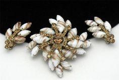 Juliana Vintage Brooch Earring Set Aventurine Gold Fluss