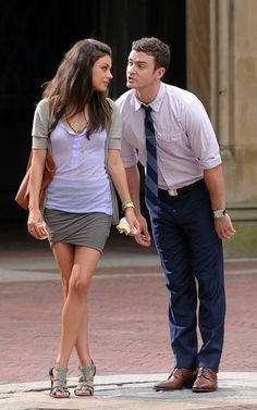 """""""Friends With Benefits"""" Mila Kunis looks so casual but well put together!"""