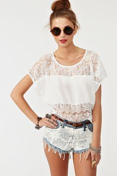 Love the lace t