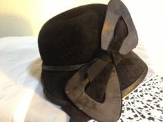1920s Velvet and Satin Women's Hat