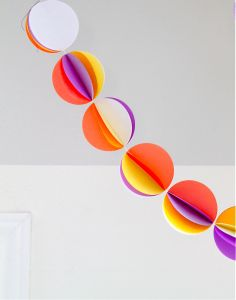 TUTORIAL: Paper Ball Chains | MADE, would be fun to make with kids!!!