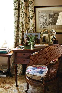 english interior design, decor, living rooms, living room curtains, design charlott, chairs, charlott moss, desks, charlotte moss interiors