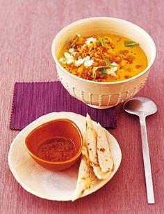 Gelbe Erbsensuppe mit Mango und Feta - Rezepte - [LIVING AT HOME]