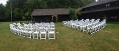 Check out this beautiful outdoor set up right outside the screened porch at Happy Days Lodge