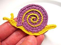 S for Snail: Crochet applique pattern