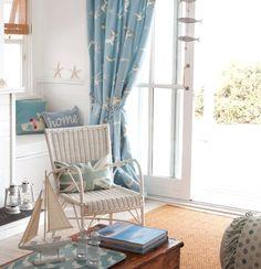 Soft Blue & White Beach Decor Ideas for your Living Room