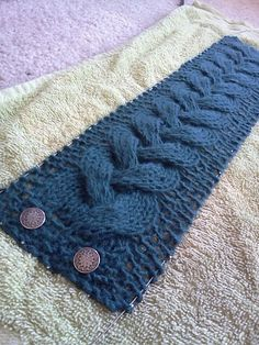 Cable headband, lovely. Free pattern