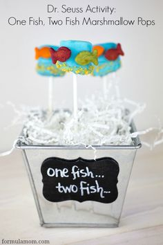 Dr Seuss Activities: One Fish Two Fish Red Fish Blue Fish Marshmallow Pops #drseuss