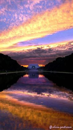 Lincoln Memorial, Washington, DC, at sunset