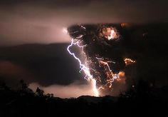 Chile's Chaitén volcano.   Frightening!......wohowwww