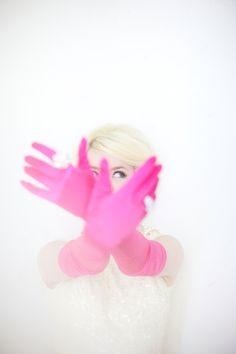 pink gloves / max wanger / designlovefest
