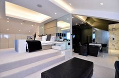 Statement-bath, bedroom ideas - Home Interior & Design Inspiration - Foxtons